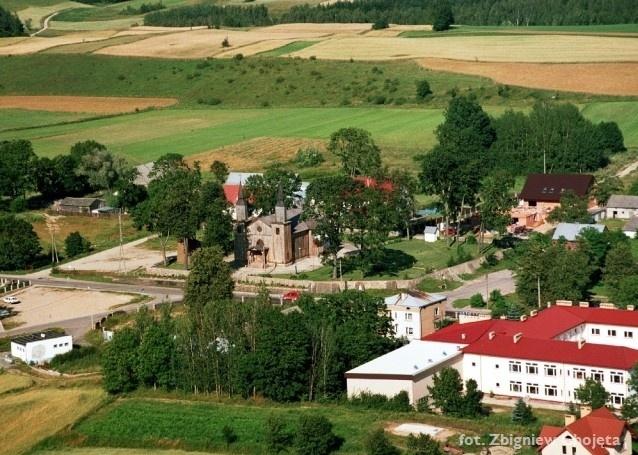 Zdjęciei lotnicze - widok na miejscowość Jeleniewo - Kliknięcie spowoduje wyświetlenie powiększenia zdjęcia