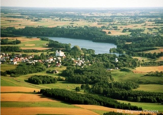Zdjęcie lotnicze - widok na miejscowość Bakałarzewo - Kliknięcie spowoduje wyświetlenie powiększenia zdjęcia