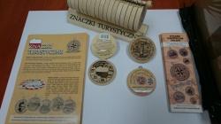 Trójstyk w Bolciach - pierwszym kolekcjonerskim znaczkiem turystycznym na Suwalszczyźnie.
