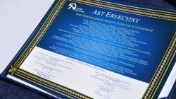 Ceremonia podpisania aktu erekcyjnego i wmurowania kamienia węgielnego pod halę produkcyjną w Areszcie Śledczym w Suwałkach