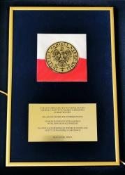 Pamiątkowy grawerton z okazji jubileuszu 20-lecia działalności Oddziału IPN w Białymstoku